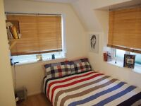 Studio to rent in Golders Green Road, London NW11 £999pcm