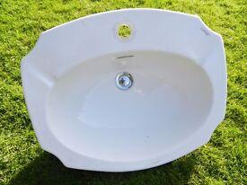 Countertop ceramic bathroom sink