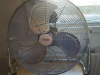 Fan - Grey color - 3 speeds