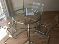 Kitchen / dinning table with 4 chairs