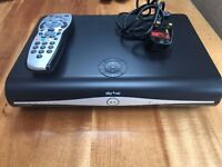 SKY PLUS + HD BOX WIFI 500GB WPS DRX890WL