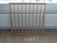 Babydan beechwood safety stair gate – no trip design