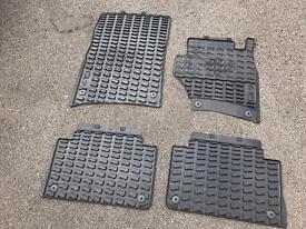 Audi Q7 genuine rubber mats