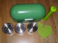 Bread Bin, Salt Grinder, Heat Mat, 3 x coffee/tea/sugar Pots