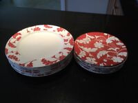 M&S 6 dinner plates and 6side plates