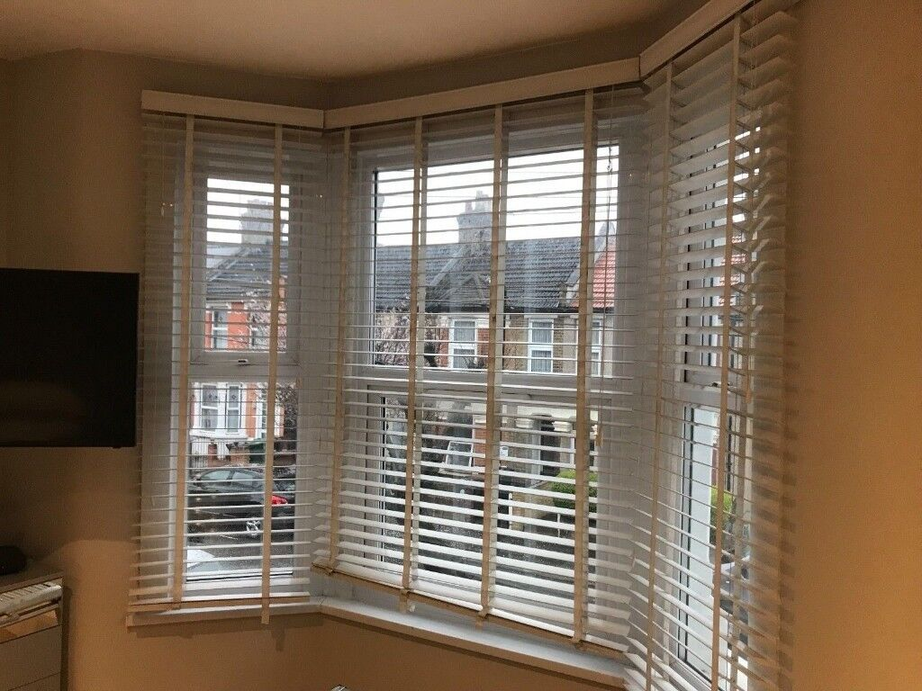Bay Window Venetian Blinds White 50mm Slats In Lewisham