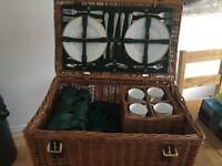 4 Place Amberley Hampers Balmoral picnic hamper