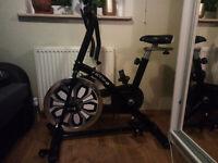 Excercise bike Motiv-8 black&white almost new!
