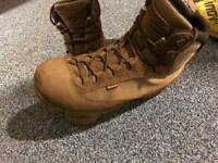Aku Pilgrim MK2 size 11 military boots