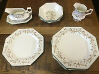 ETERNAL BEAU VINTAGE JOHNSON's TABLEWARE : PLATES/CEREAL BOWLS/GRAVY BOAT : VGC : Price £2 - £5.50ea