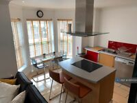 4 bedroom flat in Northpoint Square, London, NW1 (4 bed) (#1000024)