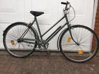 SERVICED VINTAGE HERCULES TOWN BIKE - FREE DELIVERY TO OXFORD!