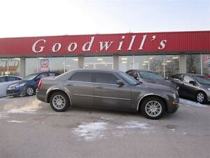 2008 Chrysler 300 Touring! SUNROOF! LEATHER SEATS!