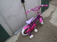 GIRLS BIKE WITH STABLEIZERS SUITE UPTO 3/4 YRS OLD (CUD DELIVER)