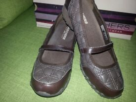 Ladies Skechers (New in Box) Size 5 Chocolate Brown ***£15***