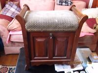 Piano STOOL/CHAIR (ANTIQUE)