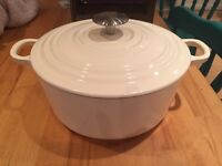 Cream Cast Iron Dish. 3.3L