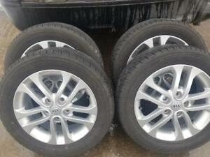 LIKE NEW  KIA FORTE HIGH PERFORMANCE TOYO EXTENSA ALL SEASON  TIRES 205 / 55 / 16 ON KIA OEM  ALLOY  WHEELS