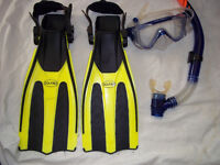 DOLPHINO JUNIOR SNORKEL, MASK & FLIPPERS SET 9-13