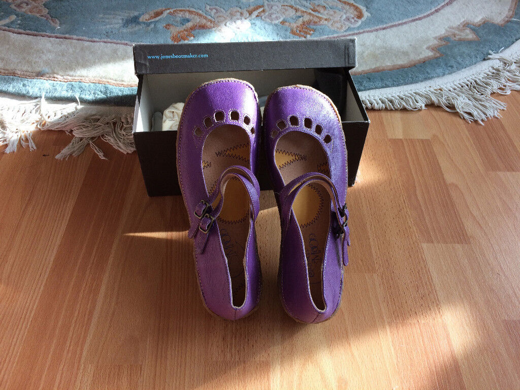 New - Girl purple leather shoes, UK size 6