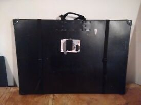 Medium hard cases with display boards, cases ideal for transporting storing art posters paintings,