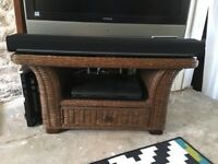 Coffee table and two matching side tables / tv unit stand in good condition