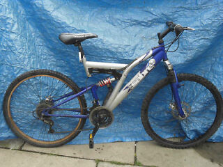 BIKE FOR TEENAGER OR ADULT TWIN DISC FULL SUSPENSION