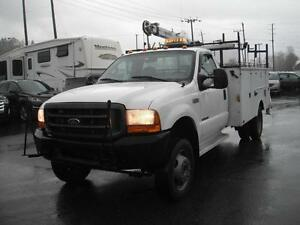 2000 Ford F-550 7.3L Diesel Regular Cab 2WD Dually with Crane