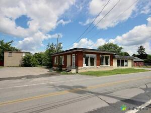 199 000$ - Immeuble commercial à vendre à Hemmingford