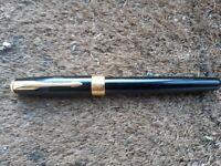 Parker Sonnet Fine Nib Black / Gold Rollerball Pen