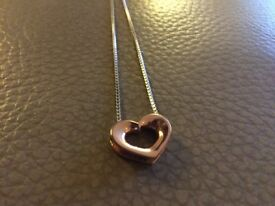 Sterling silver and rose gold hot diamonds necklace