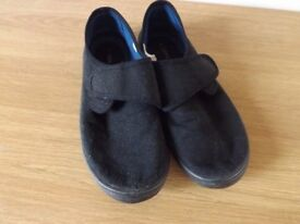 Childs Next Gym Shoes Size 6 39