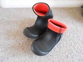 Wet suit boots size 5-6