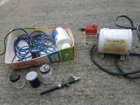 Devilbiss compressor and badger spray gun with different size nozzles all in good condition