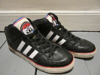 Mens Adidas Originals Trainers SIZE 8 Black White Red - BARGAIN ONLY £5