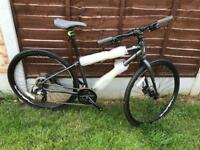 Ladies Hybrid Bike brand new