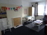 Double room in 2 bedroom flat