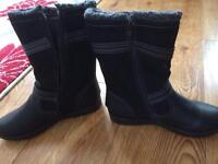 Black size 6 boots brand new