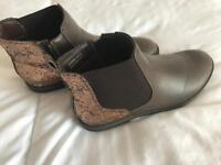 Brown boots size 4 worn once