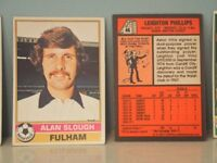 TOPPS football bubble gum cards (Red backs 1976-77)