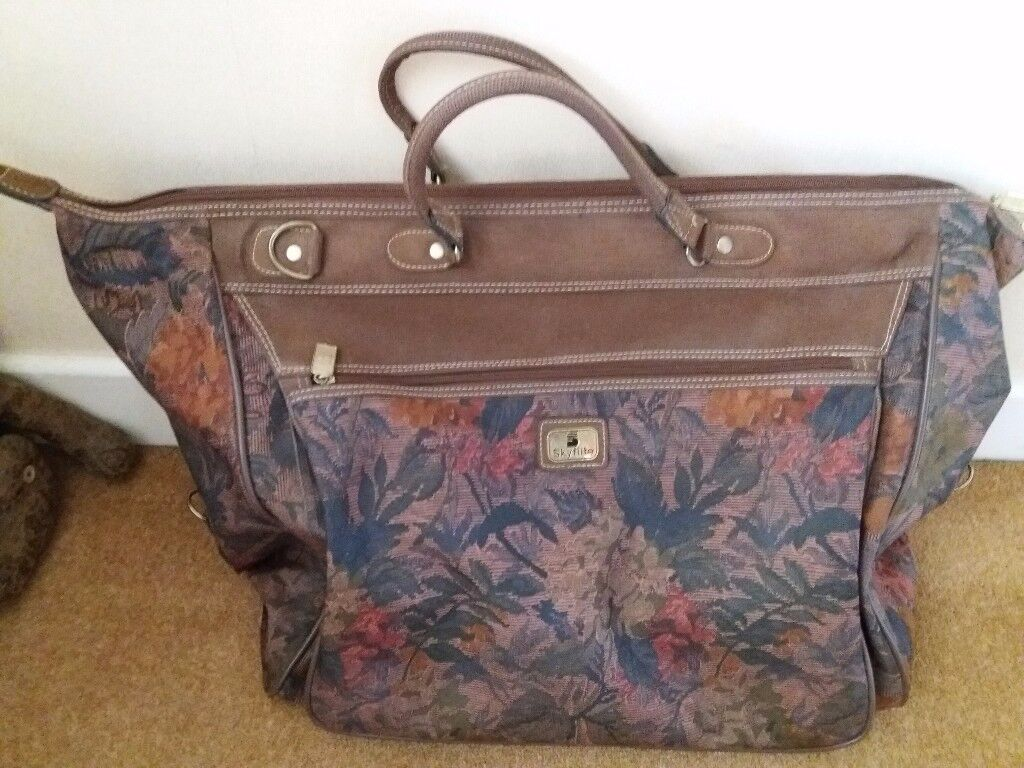 Skyflight travel bag in excellent condition