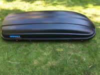 Roof box in excellent condition, as good as new