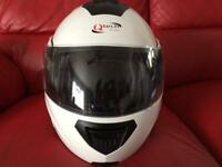 Q tech full face helmet