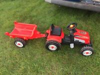 Kids red smoby ride on tractor with trailer