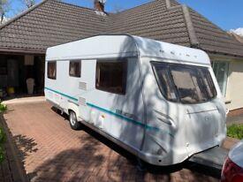 2005 Geist (German Built) LV550 4 Berth Fixed Bed Touring Caravan