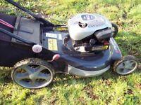 Murray briggs & stratton MPH 550 series 158cc petrol push mower.