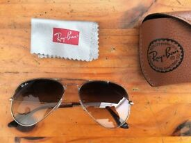 Ray-Ban Aviator II Large Gold Pilot Sunglasses - Mint condition