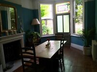 Fantastic desk space for 2 people in gorgeous house with shared kitchen