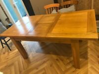 Solid Oak Extending dining table (6-8 seater)