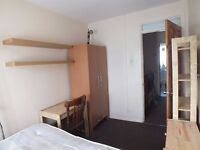 Fantastic Room 5 mins from Bethnal Green Underground - Great Location & Price!!